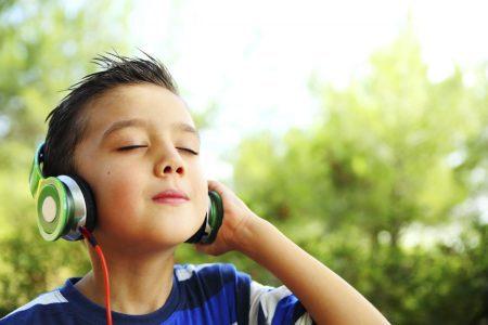 1200-49219314-boy-listening-music